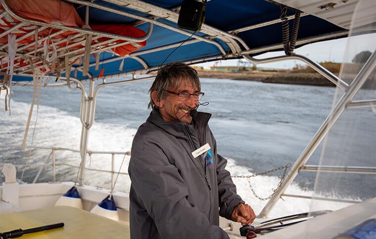 boat captin driving
